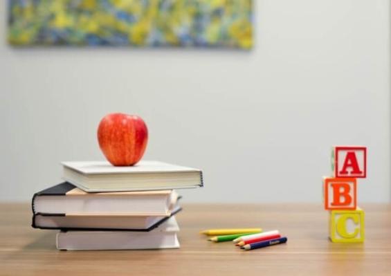 英語リスニング勉強向け:オススメの教材・サイト